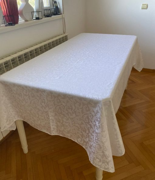 Alnada slavski stolnjaci Beli žakard teflon bez dekoracije