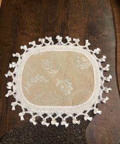 Dekorativna šustikla reljefni mebl sa kićankama od svile