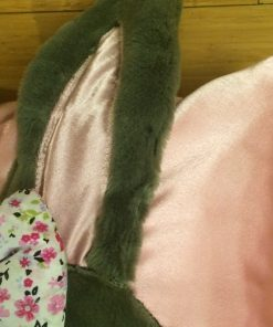 Dečiji jastuk sivi zeka detalj