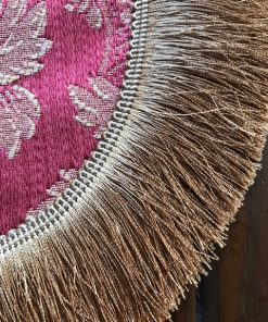 Dekorativna okrugla šustikla sa svilenim resama