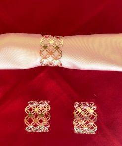 DRžači za salvete Srebrni keltski čvor sa belom salvetom
