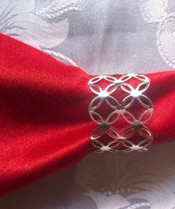 Držač za salvete Srebrni keltski čvor sa crvenom salvetom