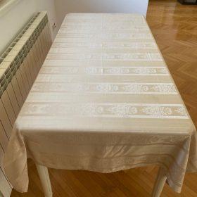 Svečano postavljeni slavski sto u 3 koraka