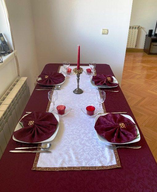 Alnada slavski stolnjaci Bordo žakard teflon sa dekorom