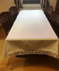 Alnada cotton tablecloth with lace edge