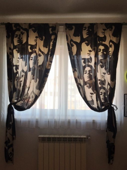 Moderna zavesa za mlade Girls