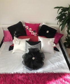 Boho pokrivač za bračni krevet Beli pliš sa jastucima