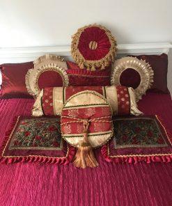 Boho prekrivač za francuski ležaj Kardinal crveni presovani saten