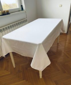 Klasični beli stolnjak od Augsburg damasta glat