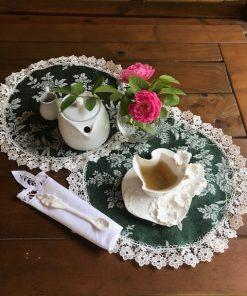 Dekorativna šustikla od brokata zelena sa cvecem