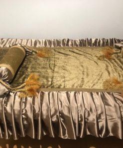 Dekorativni prekrivač za singl krevet staro zlato